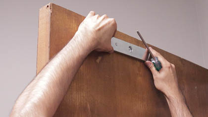 Mounting the magnetic lock on the door